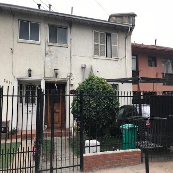Vende - Amplia Casa de Dos Pisos San Joaquin