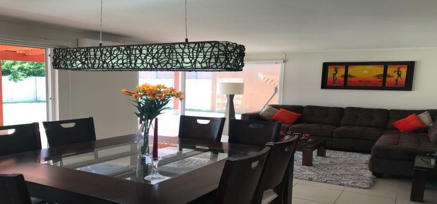 atractiva casa, Los Corrales, Colinas, casa en venta