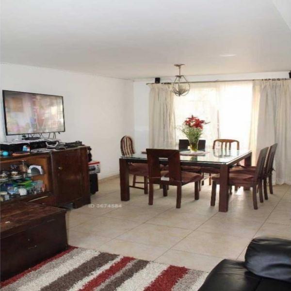 Vende Casa Pareada a pasos de Metro Plaza Egaña